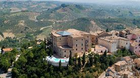 Castello Chiola - >Loreto Aprutino
