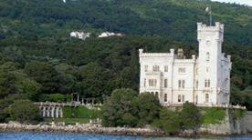 Castello di Miramare - >Trieste