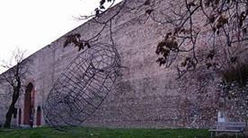 Mura - >Prato