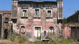 Castello Diana - >Fiumefreddo di Sicilia