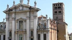 Il Duomo di San Pietro - >Mantova