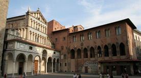Palazzo dei Vescovi - >Pistoia