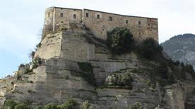 Castello Pandone  - >Cerro al Volturno