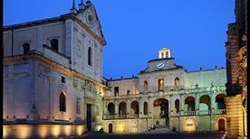 Piazza del Duomo - >Lecce