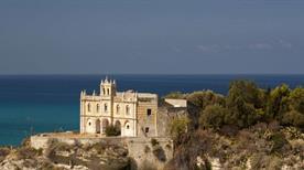 Chiesa Santa Maria dell'Isola - >Tropea