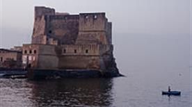Castel dell' Ovo - >Napoli