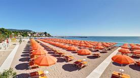 Eugenio Beach - >Numana
