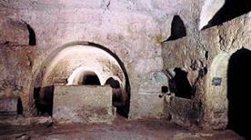Catacombe S.Giovanni Evangelista - >Siracusa