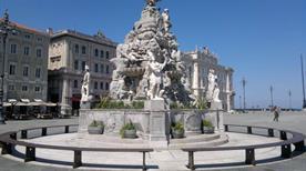 Fontana dei Quattro Continenti - >Trieste