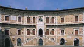 Palazzo dei Priori - >Fermo
