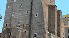 Torre dei Conti - >Rome