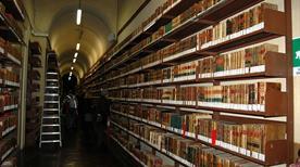 Biblioteca Nazionale di Napoli - >Napoli