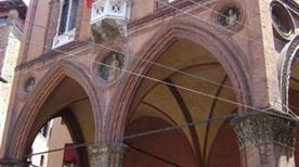 Palazzo Garagnani - >Bologna