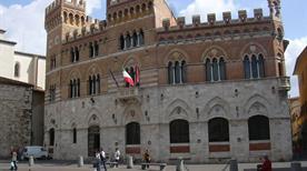 Palazzo Comunale - >Grosseto
