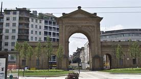 Porta Nuova - >Milano