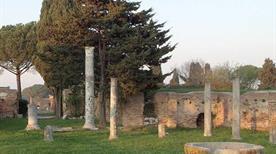 Zona archeologica Ostia Antica - >Rome