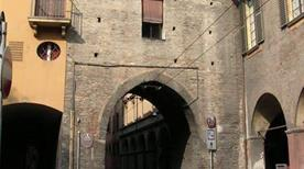 Torresotto di San Vitale - >Bologna
