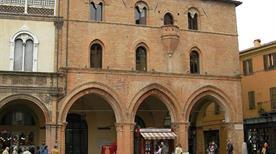 Palazzo del Podesta  - >Forli'