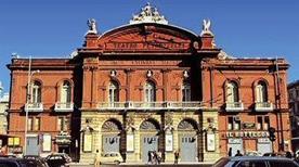 Teatro Petruzzelli - >Bari