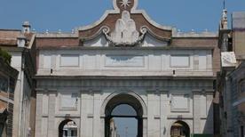 Porta del Popolo - >Rome