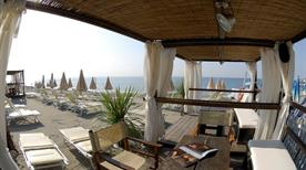 Golden Beach - Spiaggia e discoteca - >Albisola Superiore