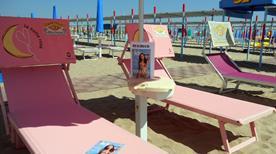 La Spiaggia delle Donne - >Riccione