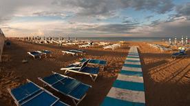 Spiaggia 54 - Bagni Nino e Nando - >Riccione