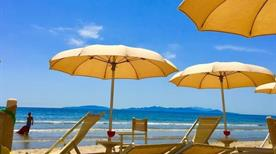 Tropicana Beach - >Follonica